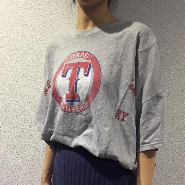 Tシャツを2枚使って変形Tシャツへとリメイク